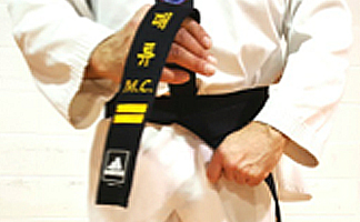 How to tie your Taekwondo belt Step 4